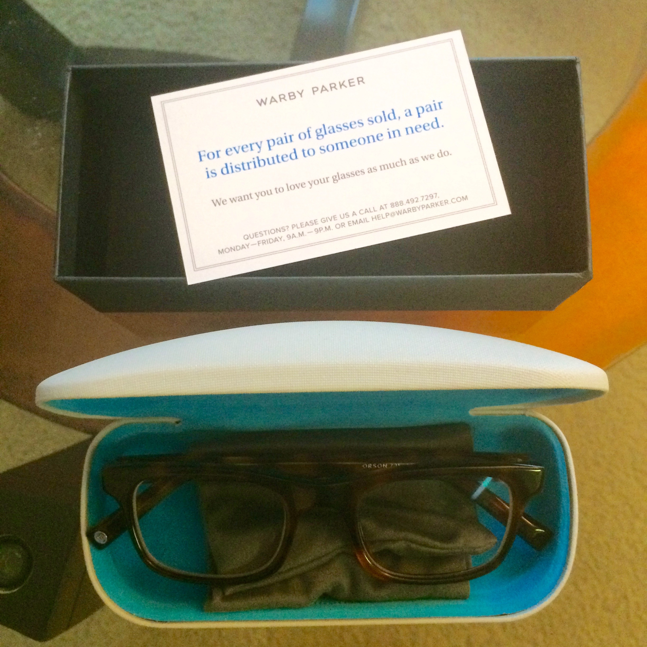 Warby Parker – Approach the Runway